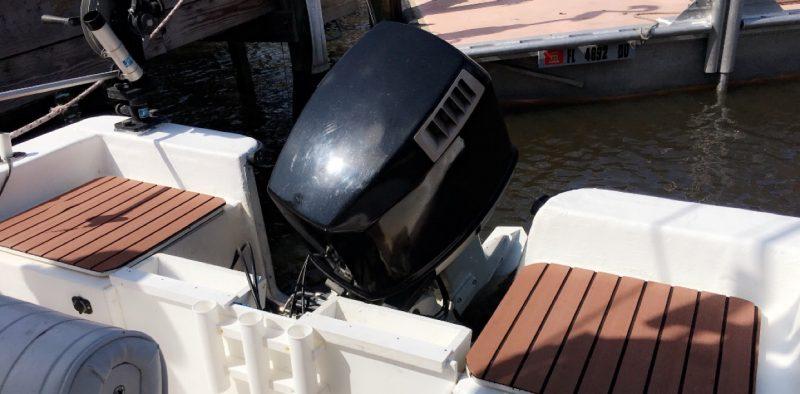 1996 Hydra Sport Center Console Boat